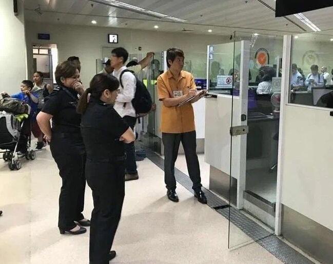 菲律宾3号机场保关.jpg
