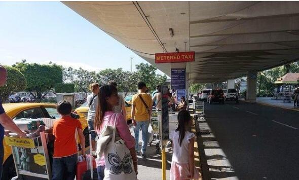 T1机场出租车停靠站.jpg
