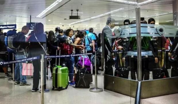 菲律宾马尼拉机场.jpg