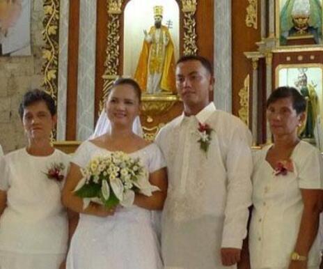 菲律宾教堂婚礼.jpg