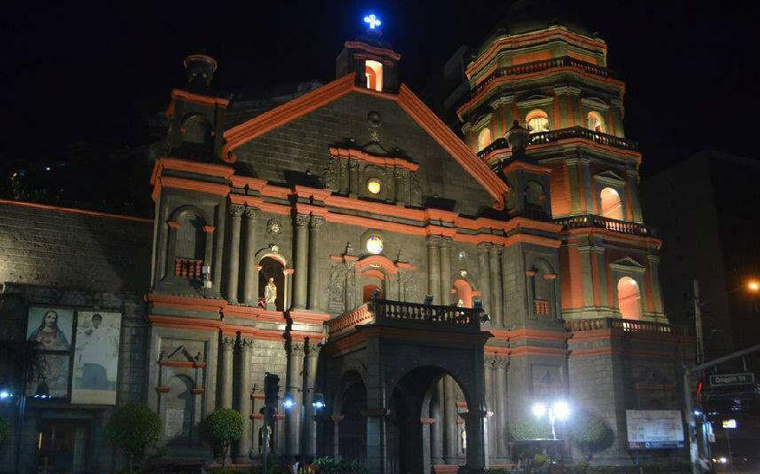 中国城教堂曾经极度辉煌.jpg