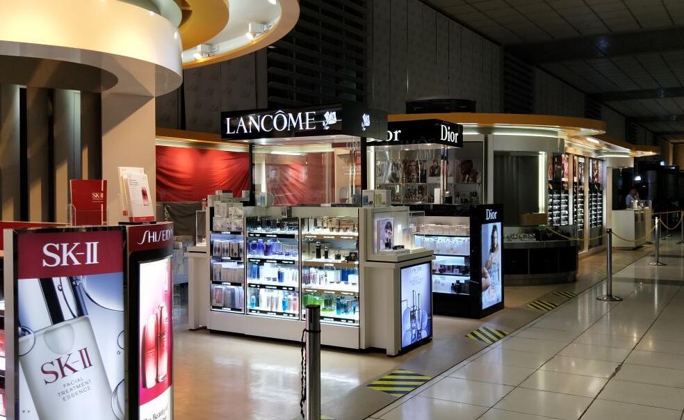 马尼拉机场免税店.jpg